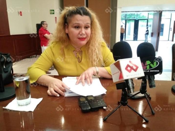 Reprochan que Congreso requiera INE actualizada para entrega de despensas