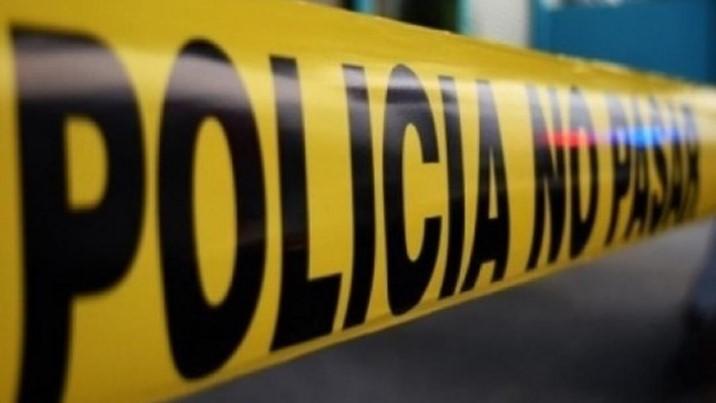 Abandonan auto ensangrentado en estacionamiento en Culiacán