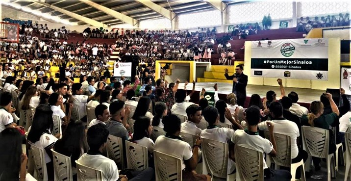 """Llevan Foro """"Agente 007"""" a más de 2 mil estudiantes en Escuinapa"""