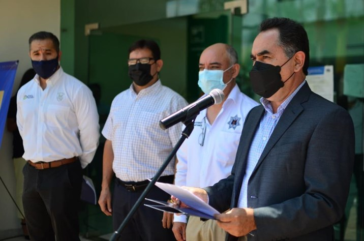 Entrega la UAS material de protección contra Covid-19 a la Policía Municipal de Culiacán