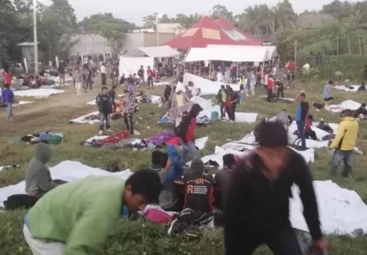 Hondureños dicen que harán huelga de hambre si México no les permite el paso