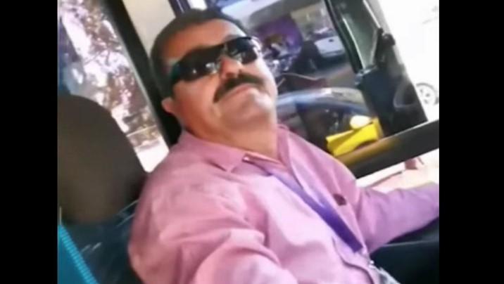 """""""No pueden irse besando"""", dice chofer a pareja gay y los baja del autobús"""